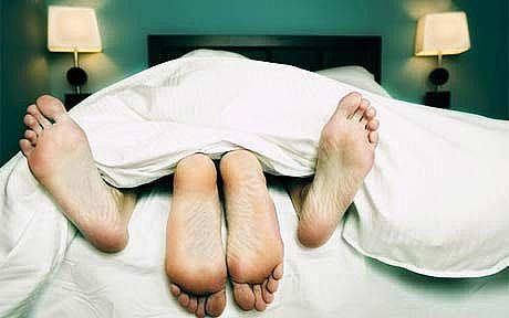 http://1.bp.blogspot.com/_a2Ac_i7cQNk/SxALqNWa43I/AAAAAAAAD6M/jgcfwJOmTSI/s1600/make-love_Full.jpg