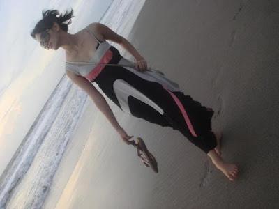 http://www.mypepito.info/2010/06/foto-cantik-ririn-