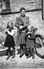 Ditten med Lissi og Else, ca.1947