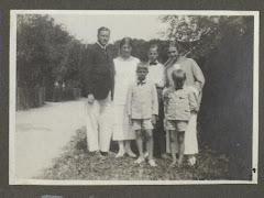 Carl Gregers Restorff Schack med sønner og Karen Lembcke (Schack) 1925