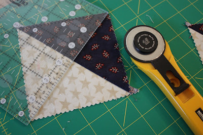 Hour Glass Block Tutorial Diary Of A Quilter A Quilt Blog