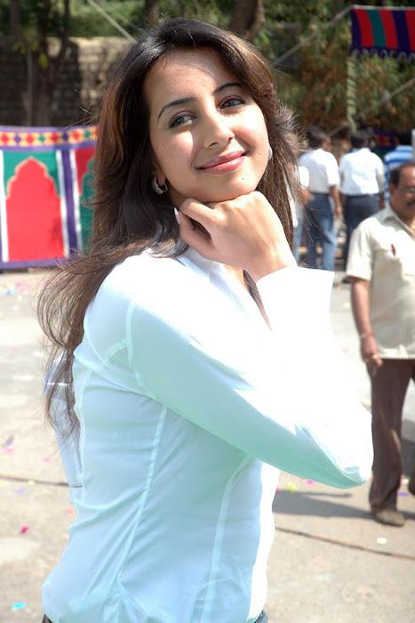 sanjana shoot photo gallery