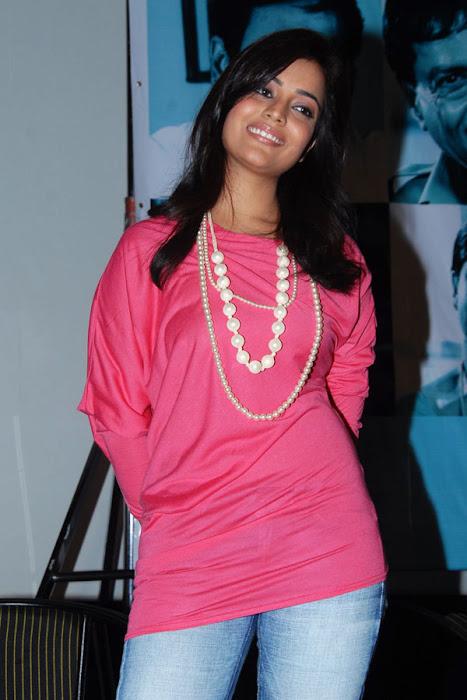 nisha aagarwal new yemaindhi ee vela platinum disk event