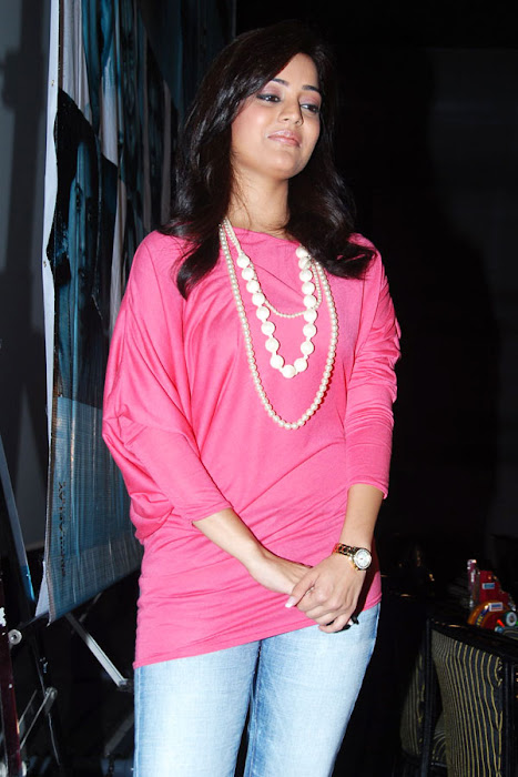 nisha aagarwal new yemaindhi ee vela platinum disk event actress pics