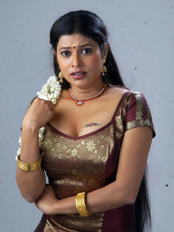 Shobana Naidu hot n spicy photo shoot stills gallery