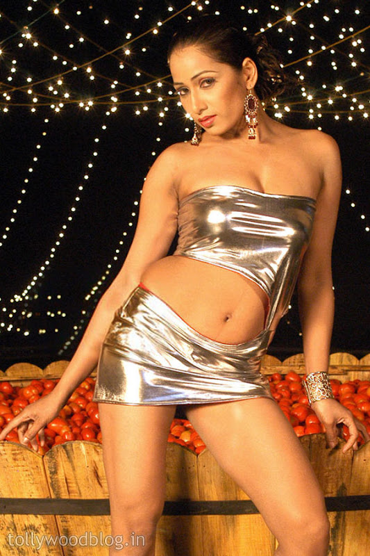 Photos Vidya Rao Hot Stills from A Spicy Item Song wallpapers