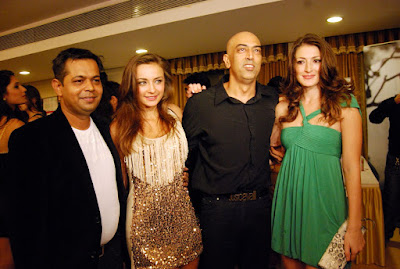 Vindu Dara Singh with wife Dina