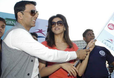 Akshay Kumar and Deepika Padukone at Lavassa Car Race For Women