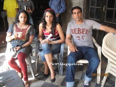 Trisha & Akshay Kumar In Khatta Meetha