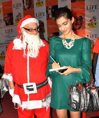 Sonam Kapoor celebrates Christmas with Anganwadi children
