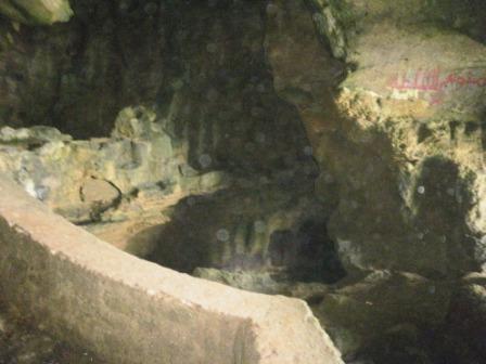 http://1.bp.blogspot.com/_a5KNCKZXnEU/S_quV-ql_XI/AAAAAAAAA-o/aUN9I0-0RRo/s1600/D+91+grotte.JPG