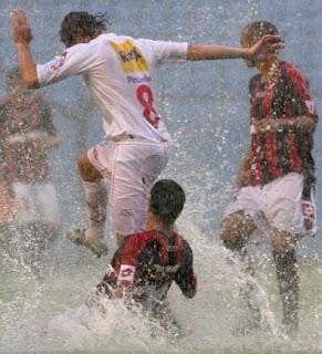 Leandro Diaz en Huracán - San Lorenzo con lluvia