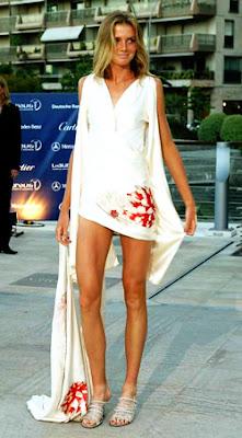 Daniela Hantuchova impresionante vestido corto