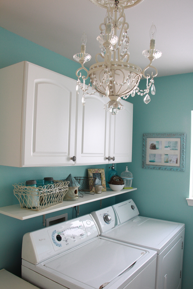 Blue laundry room paint color
