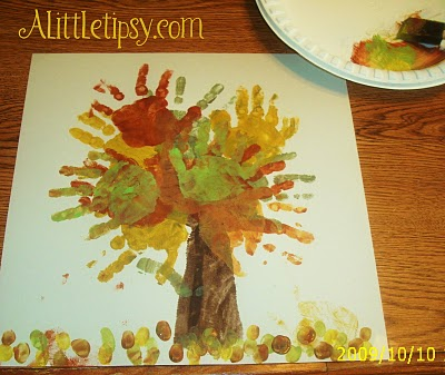 Fall Decorating Ideas for Preschool http://niksnotes2.blogspot.com/2010/09/fall-tree-cute-for-preschool-craft.html
