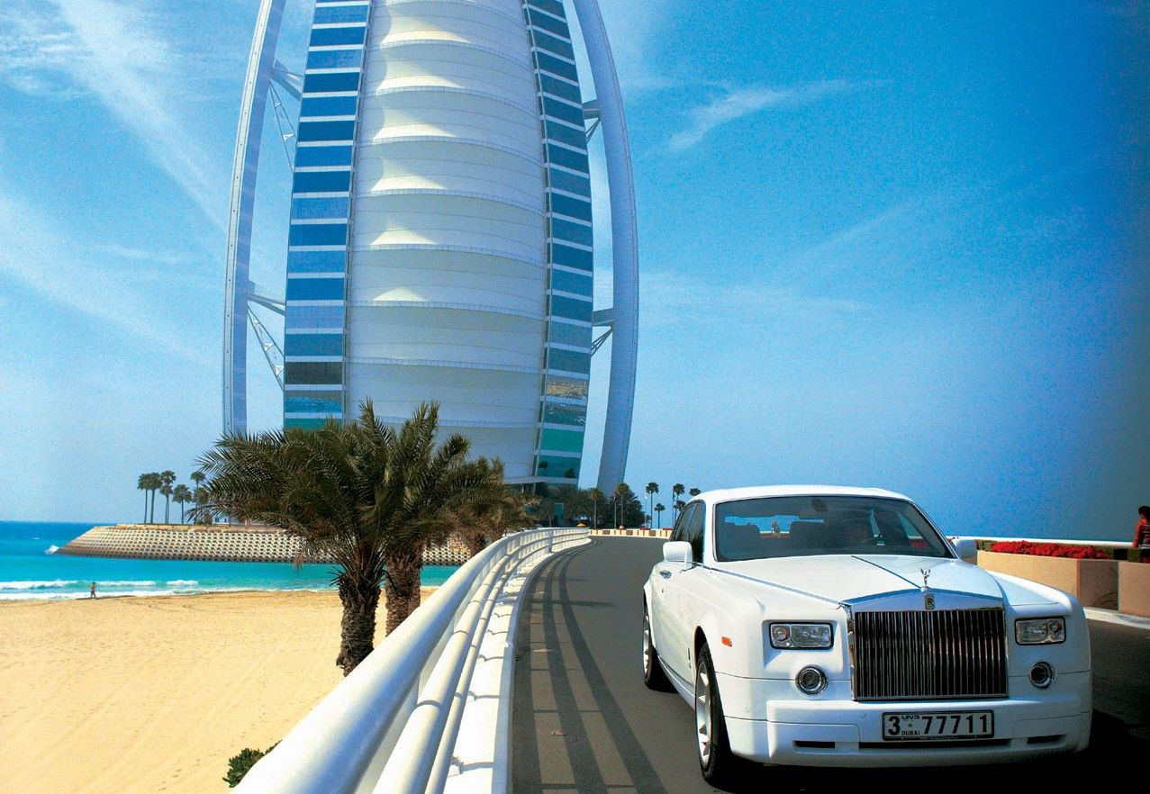 World 39 s luxurious burj al arab world 39 s most luxurious hotel for Biggest hotel in dubai