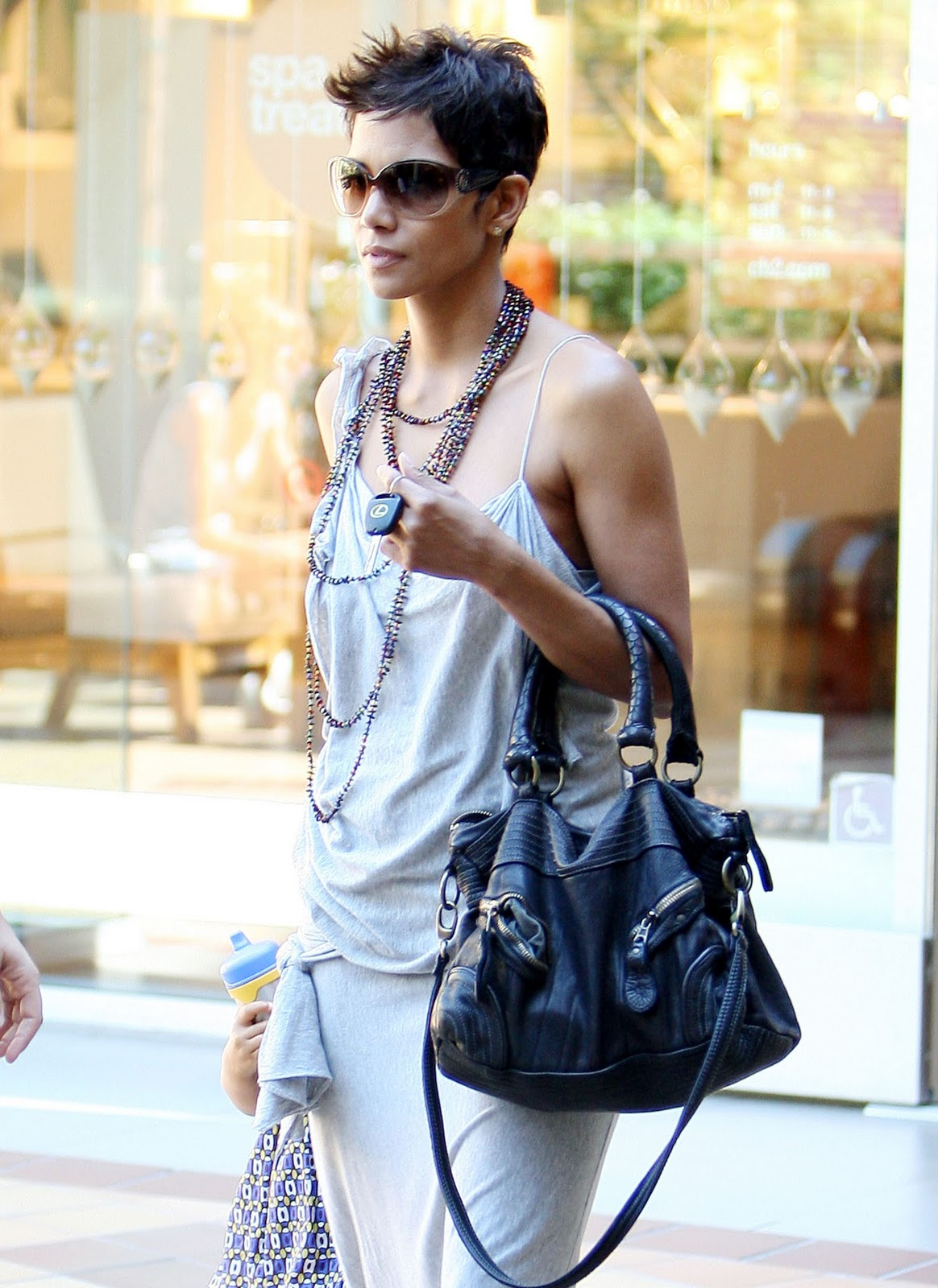 Pregnant Halle Berry Rocks Out Picture | Celebrity Baby ...