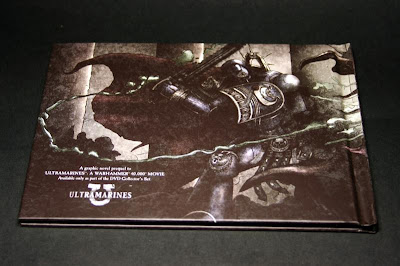 Contraportada del comic de Ultrmarines: The Movie