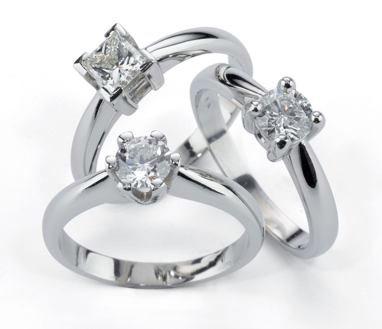 К чему снится кольцо с бриллиантами в  80