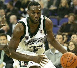 Al Jefferson dribbling the ball