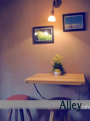 Alley+Caf%25C3%25A9+%25282%2529.jpg