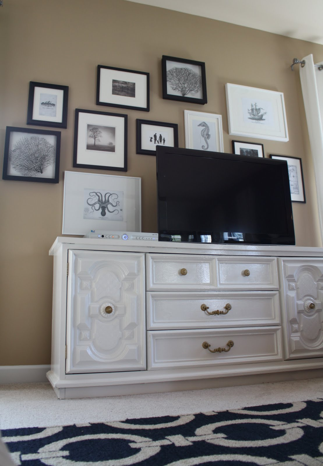 Building A Gallery Wall Around Your Tv Emily A Clark