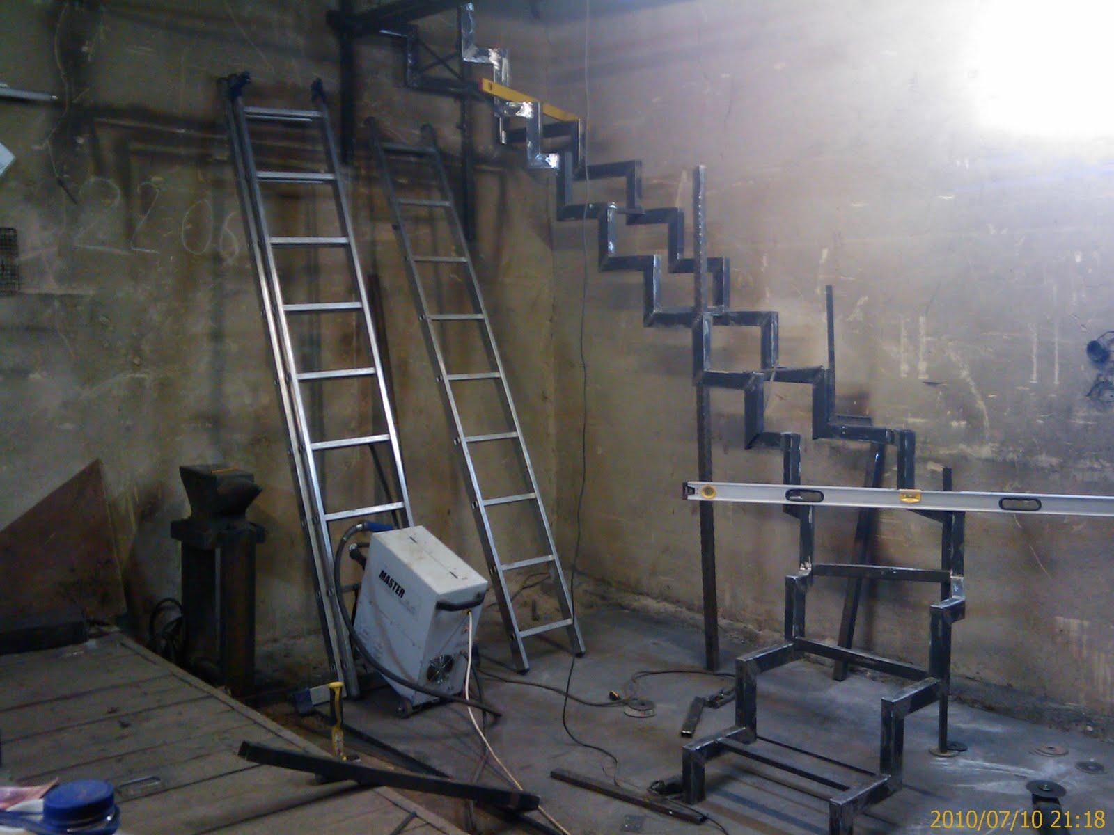 Как сделать самим межэтажную лестницу
