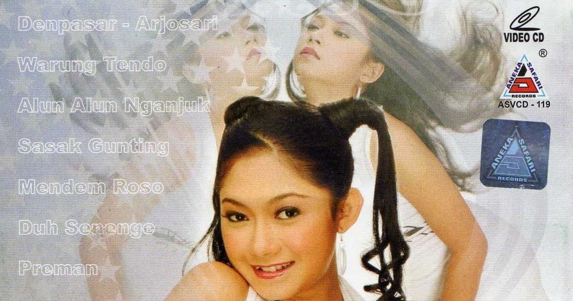 Download Mp3 Ratna Antika, Album Photo Ratna Antika - iramadam