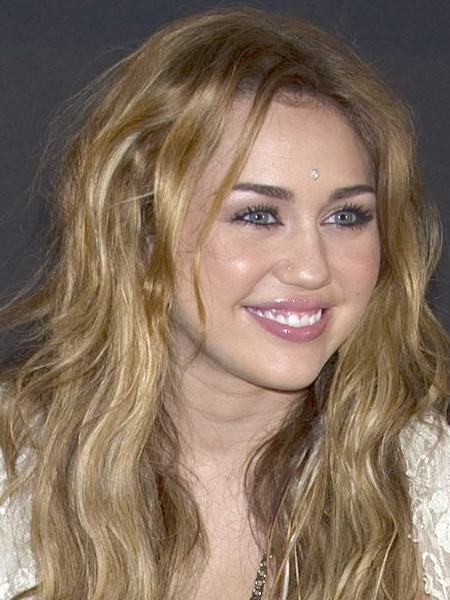 miley cyrus no makeup on. miley cyrus no makeup 2010.