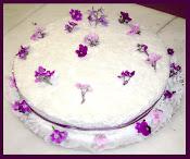bolo com violetas