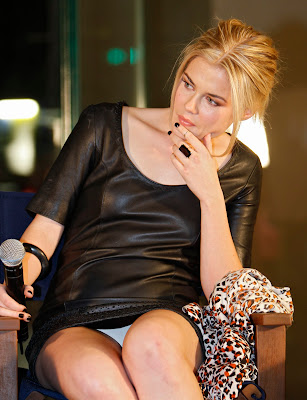 Archived: Rachael Taylor Upskirt Panties Pictures From Down Under
