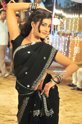 HOT KAUSHA Actress In Saree Seductive Dancing Shots From Latest item Song From telugu Movies