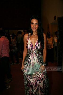 Neha Dhupia hot body in hot dress at I Am She 2010 finals