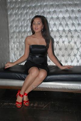 Bollywood Hot MASALA ACTRESS Priyanka Kothari Akka Nisha Kothari Posing hot Pictures