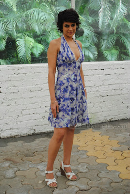Mandira Bedi HOT PICTURES FROM Kingfisher Calender 2010 auditions