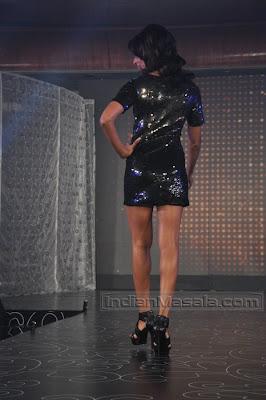 BIPASHA BASU Hot Show in SHORT DRESS On the RAMP