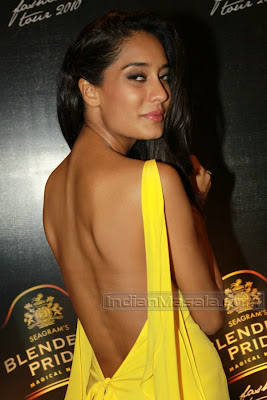 New Actress Lisa Haydon erotic bare back MASALA HOT show at Blenders Pride event