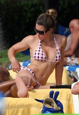 HOT CELEBRITY Jesssica Biel Pictures In Bikini Candids in Puerto Rico