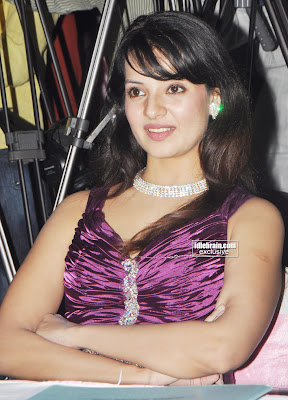 South Indian Telugu Movie Actress SALONI Photo Gallery