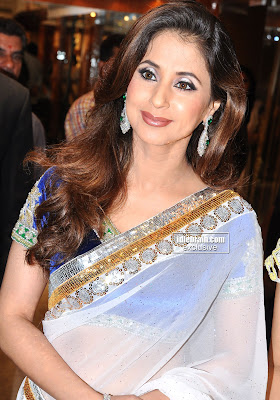 Hot URMILA MATONDKAR Photos In Traditional Saree Looking Very Sexy