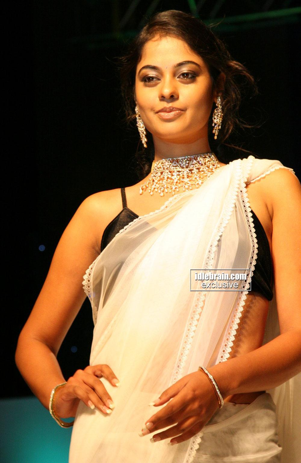 Picasa - Download Actress divya bharti images