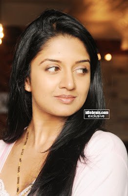 SOUTH INDIAN MASALA HOT ACTRESS Vimala Raman Pictures