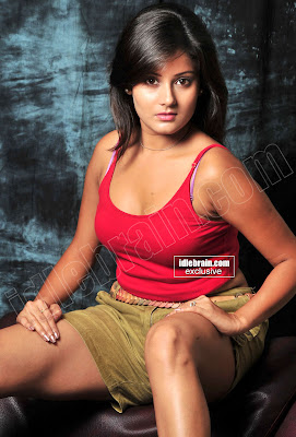 DESI HOT MASALA Actress ARCHANA GUPTA Exposing Hot Pics