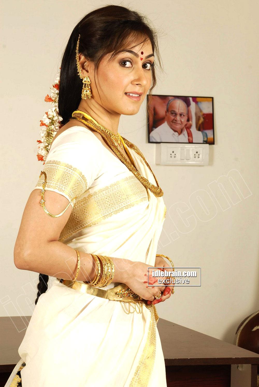 Manjari phadnis Image Gallery - Tollywood Actress Image