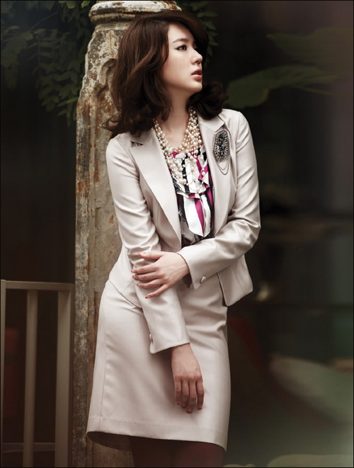 Meilina Retno Hapsari Yoon Eun Hye Fashion Style