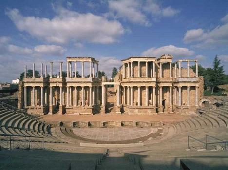 Planes Bizarria. - Página 11 Teatro-romano-merida-espana