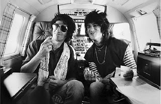 http://1.bp.blogspot.com/_aNaoVZKpXnk/SJ0n0QvM_OI/AAAAAAAAAIQ/fYLj6y6k_Iw/s320/Keith+Richards+and+Ron+Wood.jpg