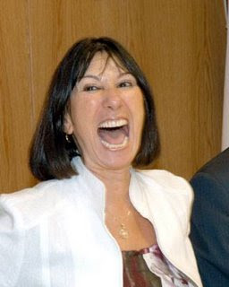 Felisa Micheli: Guardé la plata en el baño, ...