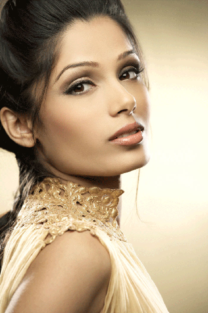 Freida Pinto Hot Photo...