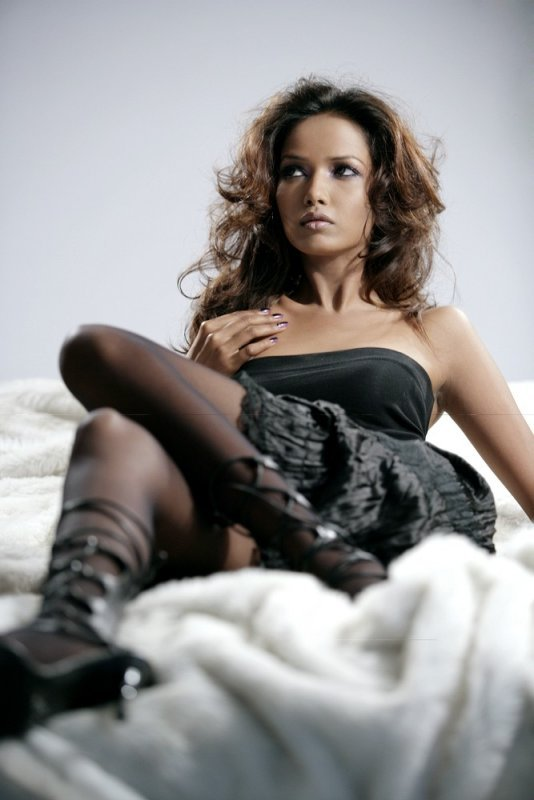 , Sexy Model Garima Parnami Hot Pics
